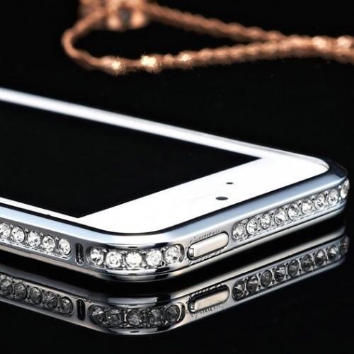 Elegantný bumper pre iphone s kryštálmi v striebornej farbe www.luxur.sk