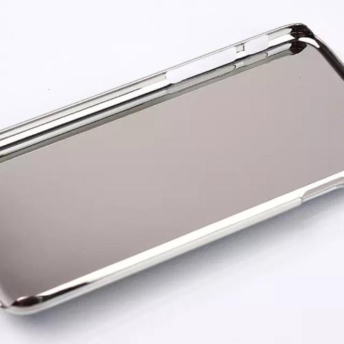 Obal-s-eifelovkou-kovovy-pre-iPhone-1.jpg