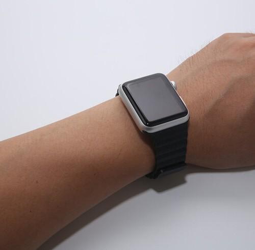 kozeny-cierny-naramok-pre-apple-watch