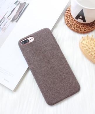 Hnedý látkový obal na iPhone 8 a 8 Plus